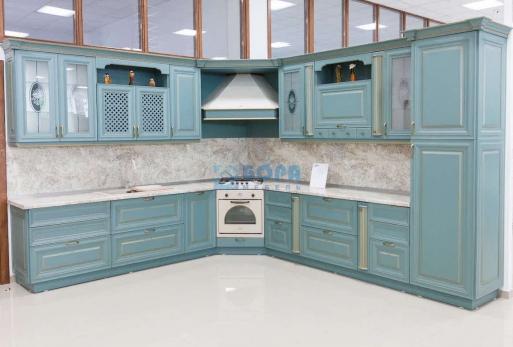 """Кухня с фасадом из массива бука """"ЛАУРА"""""""