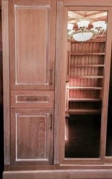 Шкаф из массива 2